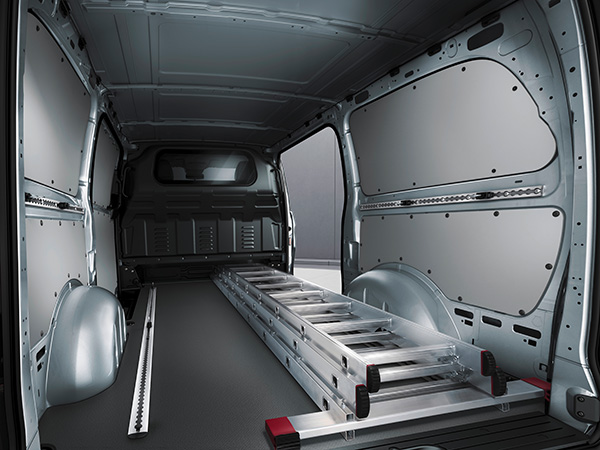 Mercedes-Benz-Metris-(2)