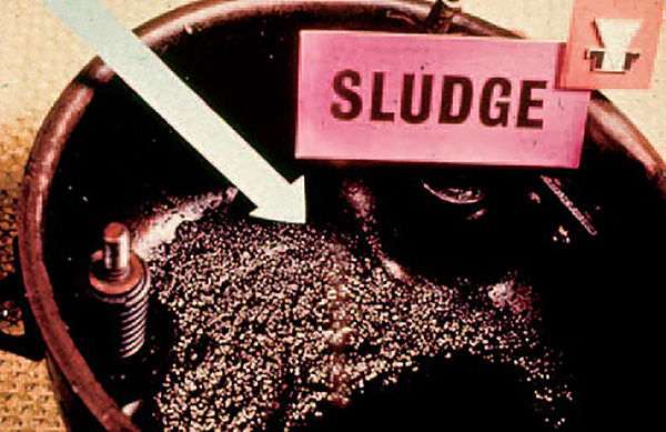 Sludge-in-Compressor-Crankcase